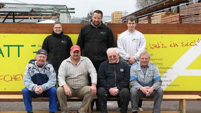 SDS95 for Kids – Renovierung der Holzschulbänke der Hirschbergschule